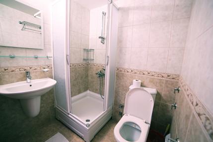 Standard-Double-Room-Bathroom
