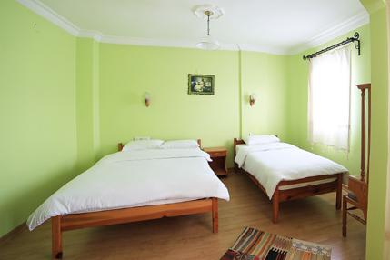 Triple-Room-2